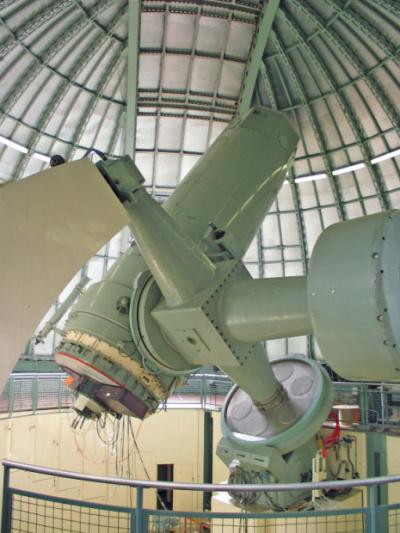 Le télescope de 1,93m de l'Observatoire de Haute-Provence auquel a été intégré le spectrographe SOPHIE.